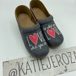 Dansko size 38 shoes